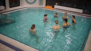 Aquarückbildung Mönchengladbach, Rückbildung im Wasser